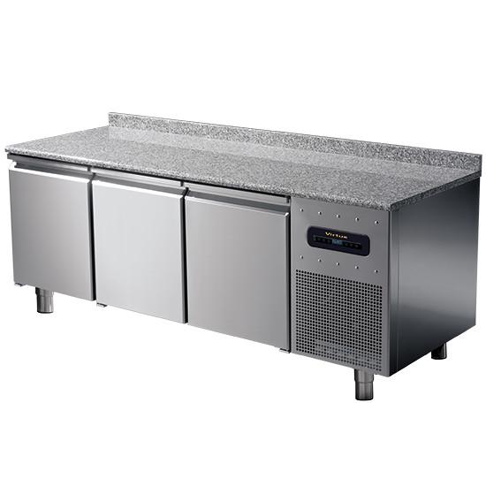 Bäckereitiefkühltisch 3-türig 600x400 mm mit Granitarbeitsplatte und Aufkantung